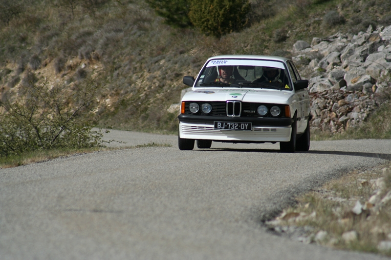 la bmw e21 au rallye historique du dauphin 2012. Black Bedroom Furniture Sets. Home Design Ideas